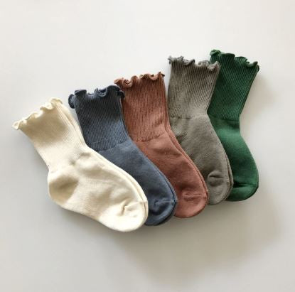 Ruffle edge socks