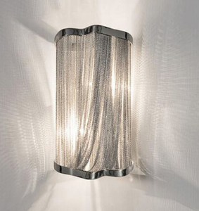 Chain wall lamp
