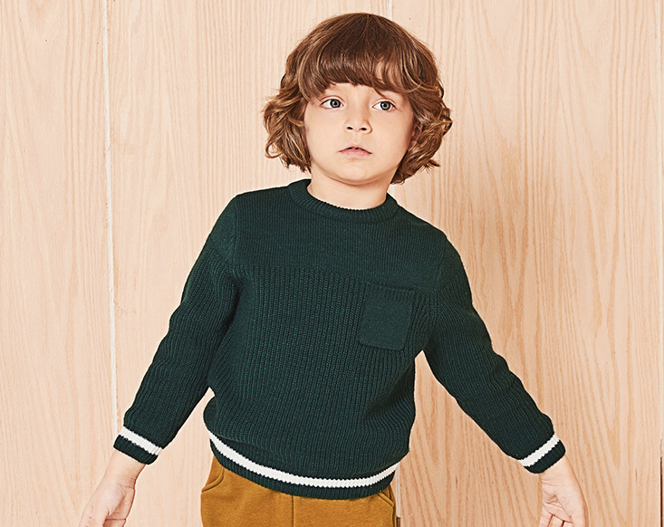 Knit sweater with warm lining