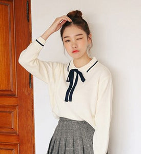 Bow collar sweater