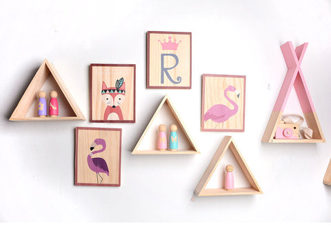 Triangular display shelf