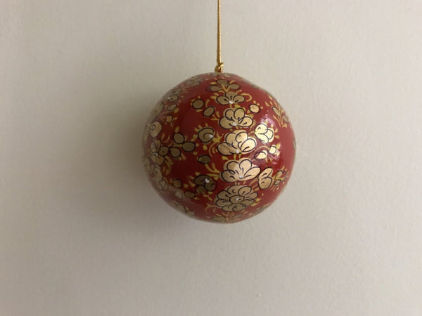 Christmas Gold & Red Clover Leaf Papier-mâché Ball - Maison Fusion