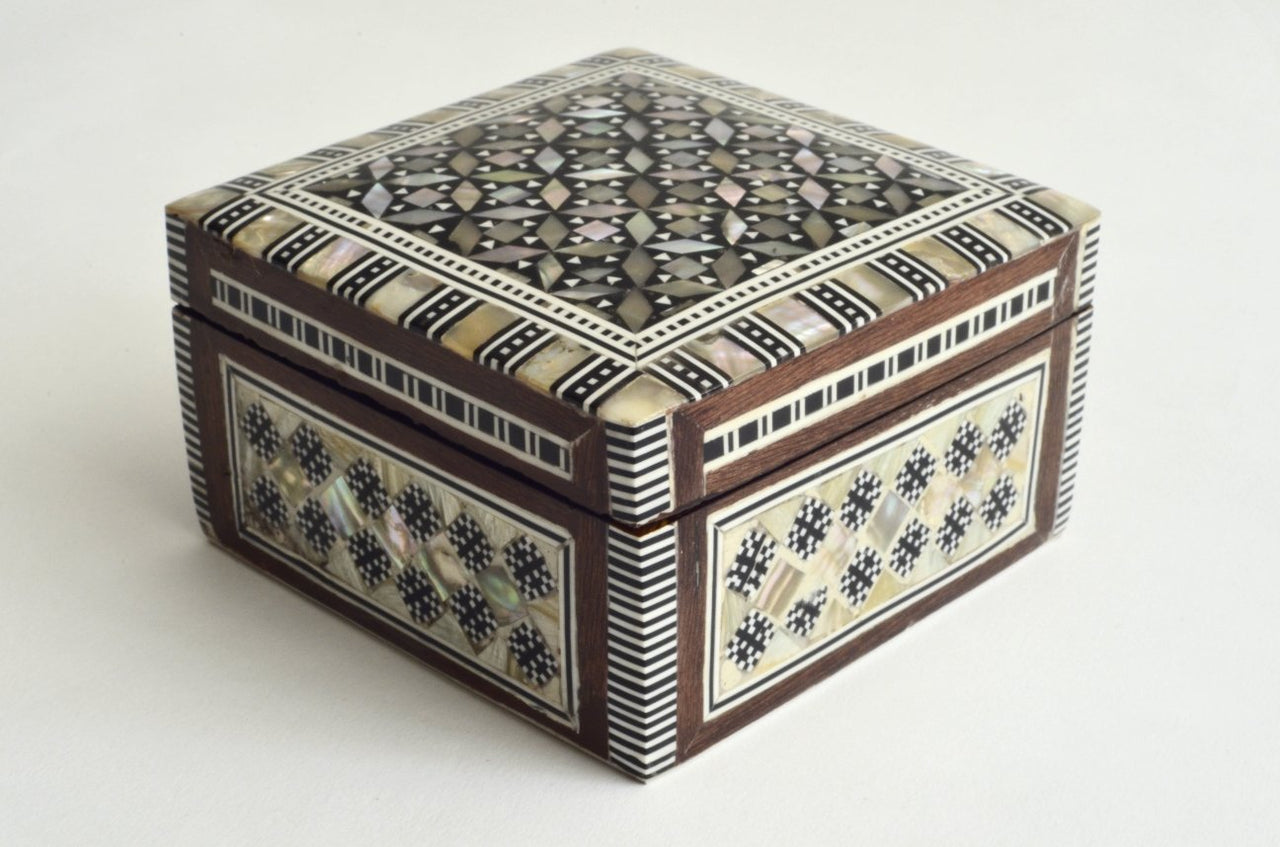 Small square jewelry box mother of pearl