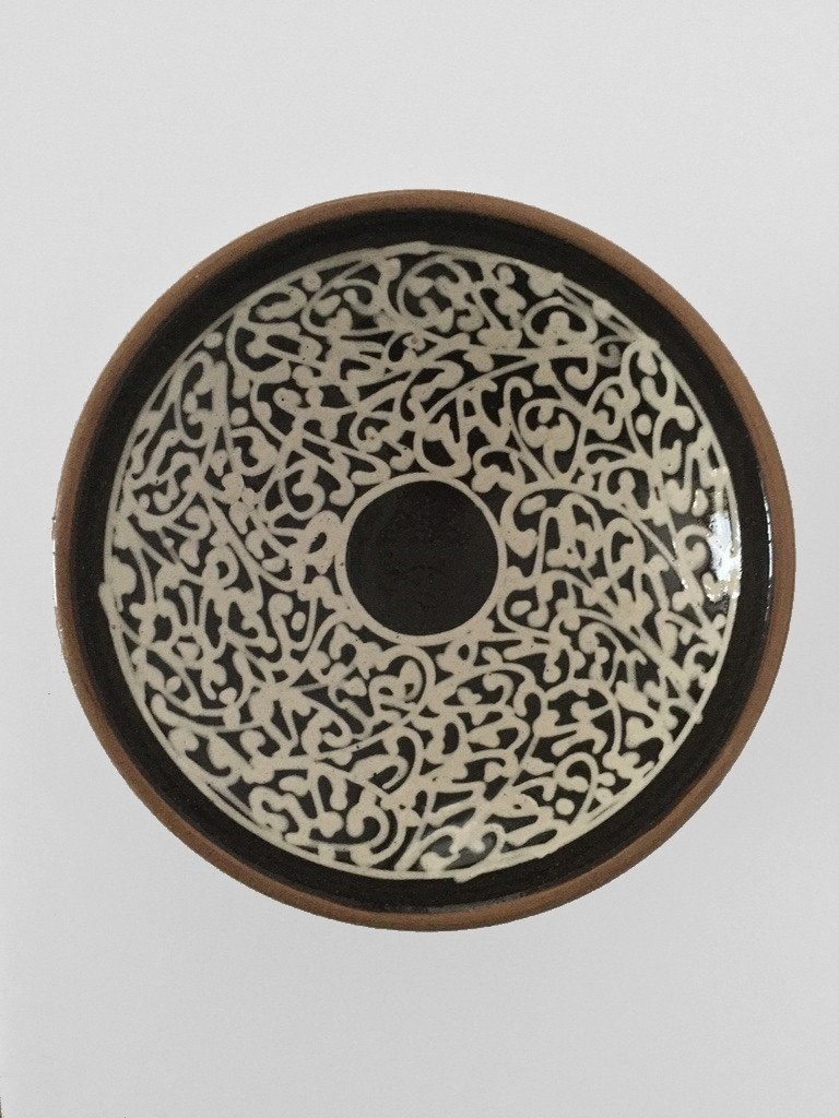 Tunis round platter design 1 black beige white
