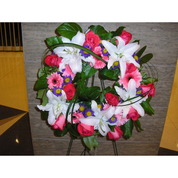 S16 Loving Embrace Wreath