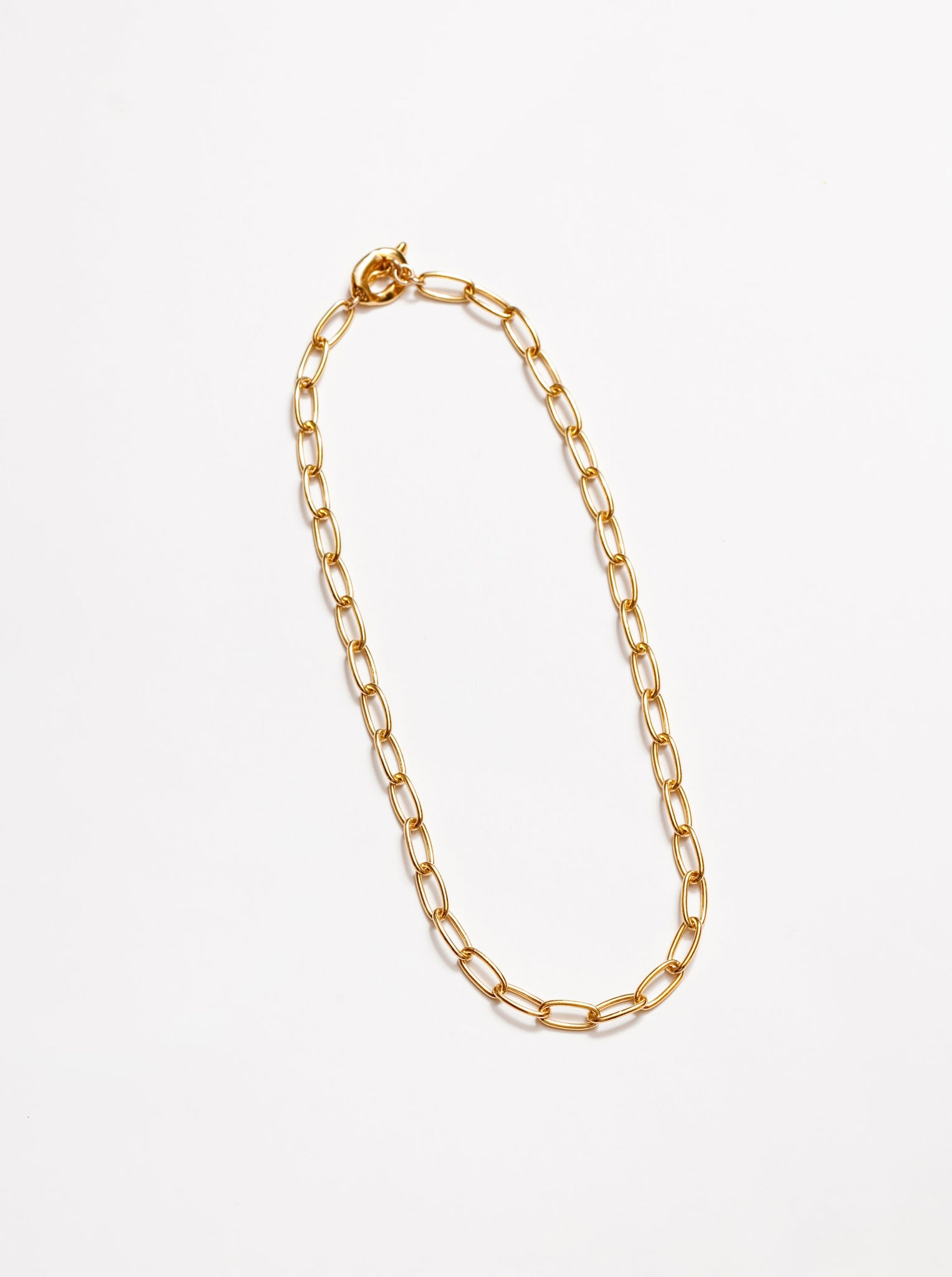 talia necklace in gold.