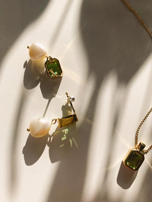 penelope earrings in gold + peridot.