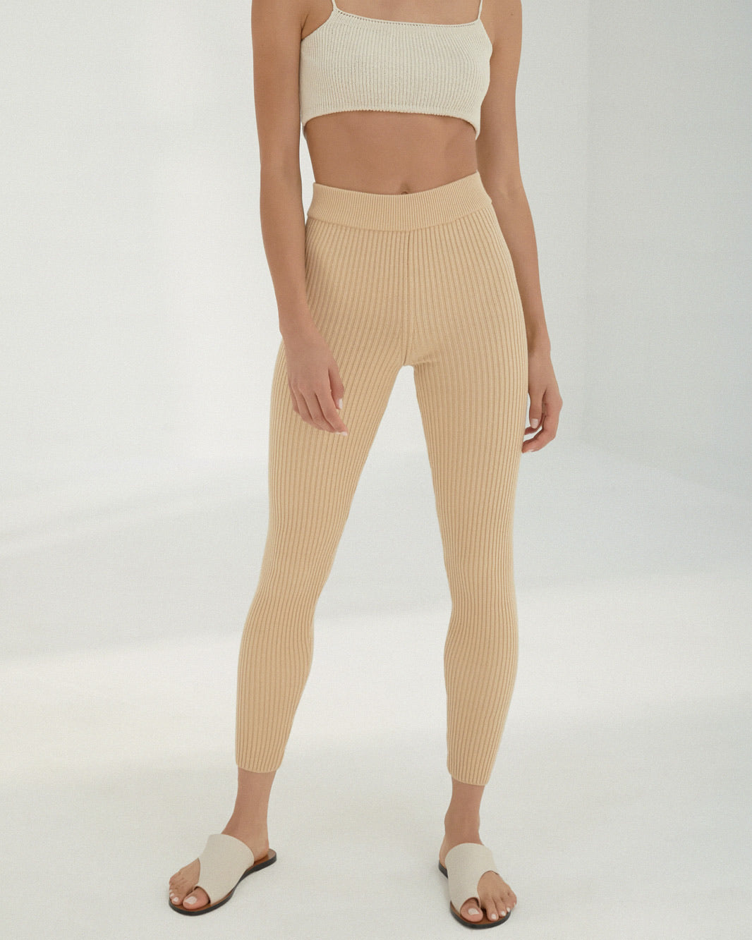 ribbed legging in wheat.
