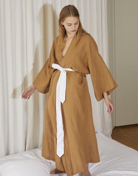 the 02 robe in walnut.