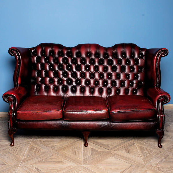 Divano Chesterfield bordeaux alto