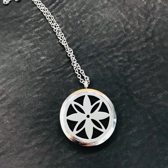 True North Aromatherapy Diffuser Necklace Set - HavenTree - The Self Care Shop