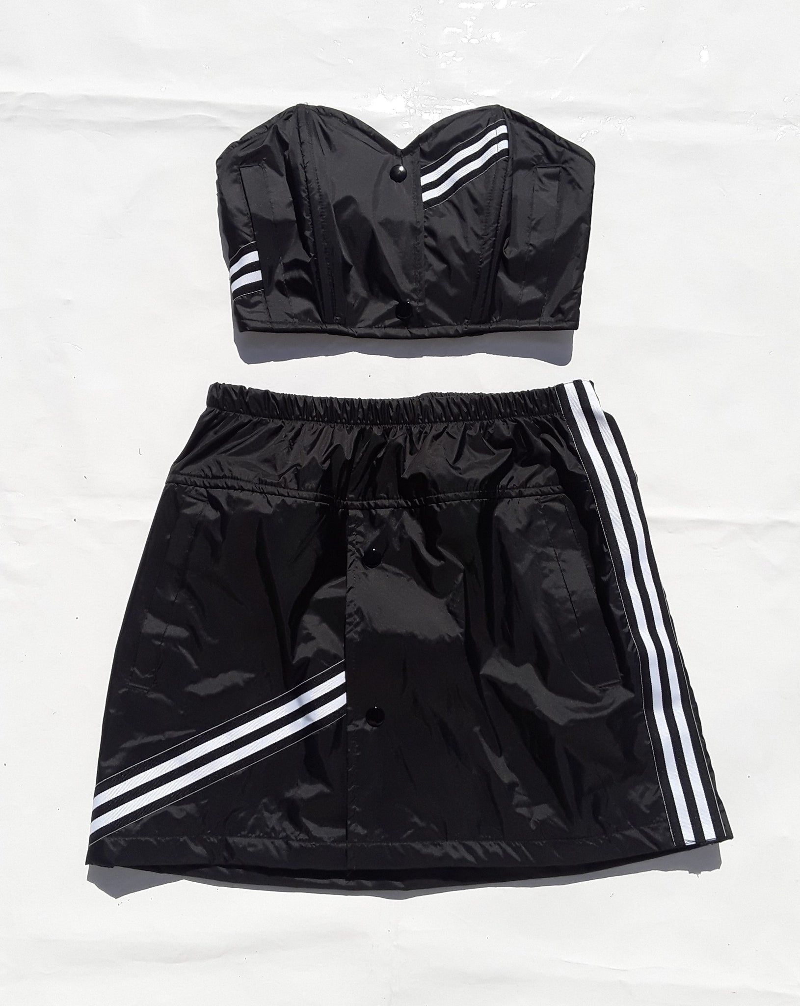 chaotic windbreaker stripe skirt