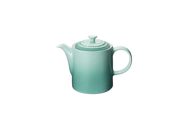 Classic 1.3 L Grand Teapot - Britannia Kitchen & Home Calgary