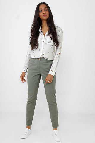 Mom Trousers in Khaki