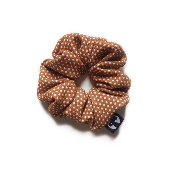 NEW! Scrunchie - Caramel Dip