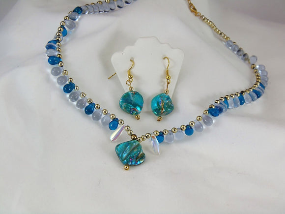 Turquoise Shell & Teardrop Set