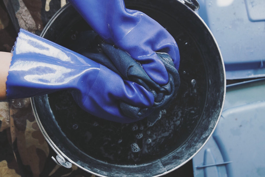 NATURAL INDIGO DYEING