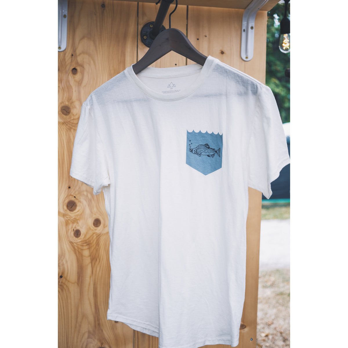 hemp-organic-cotton-tee-vancouver-salmon-mocket