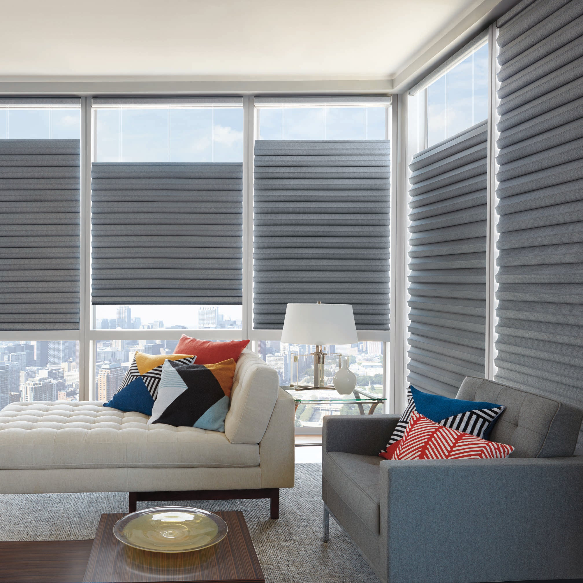 Barrydowne Paint offers Hunter Douglas with TopDownBottomUp systems, Sudbury, ON.