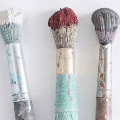 Chalk White Fat Paint Brush