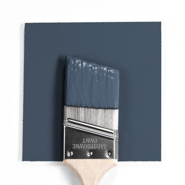 Gorgeous and classic navy blue paint color: Newburyport Blue by Benjamin Moore. #benjaminmoore #newburyportblue #navybluepaint #paintcolors