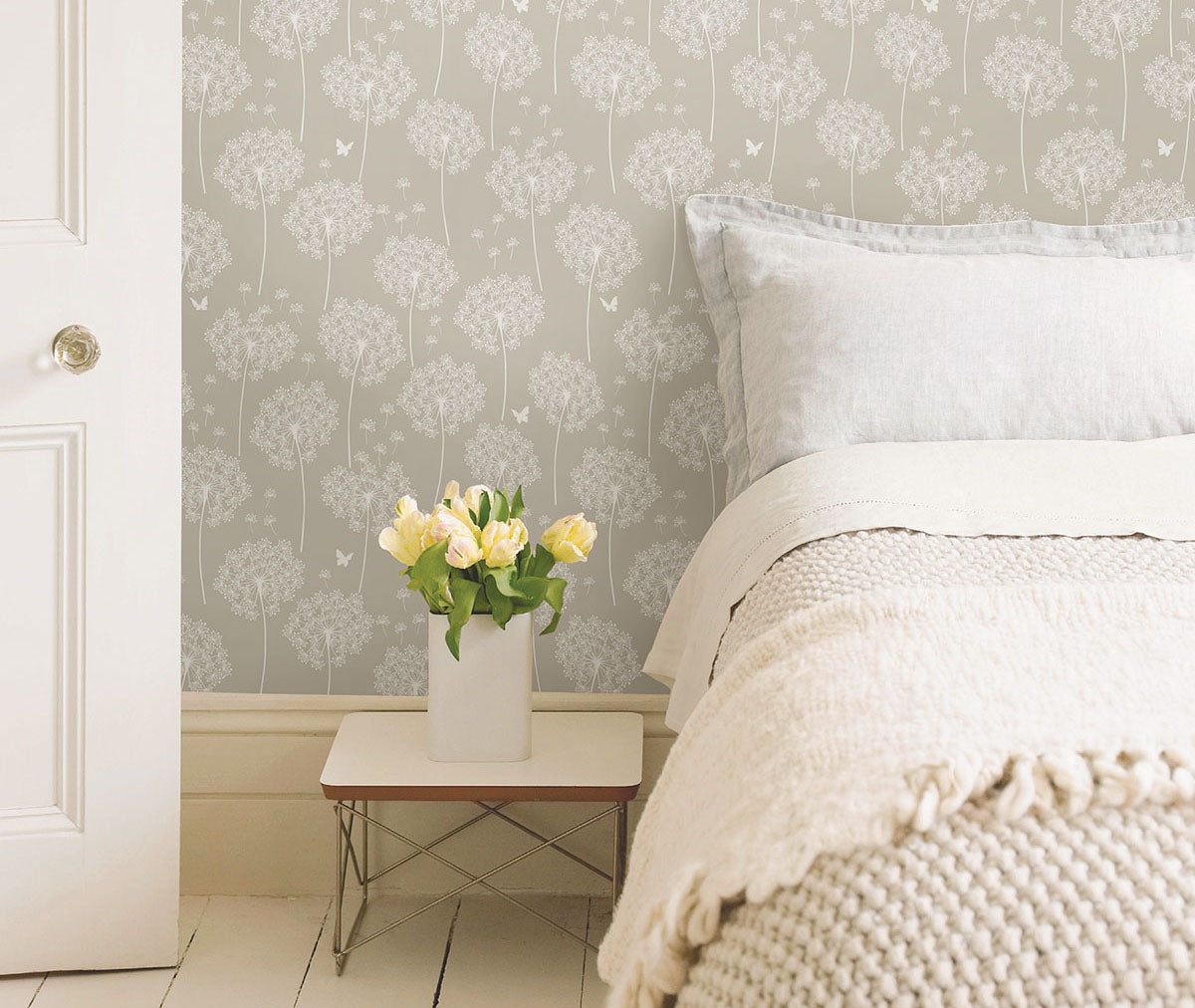 Embrace the beauty of nature with NuWallpaper from Barrydowne Paint.