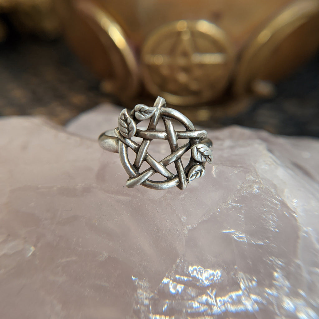 Sterling Silver Pentagram Ring with Leaves