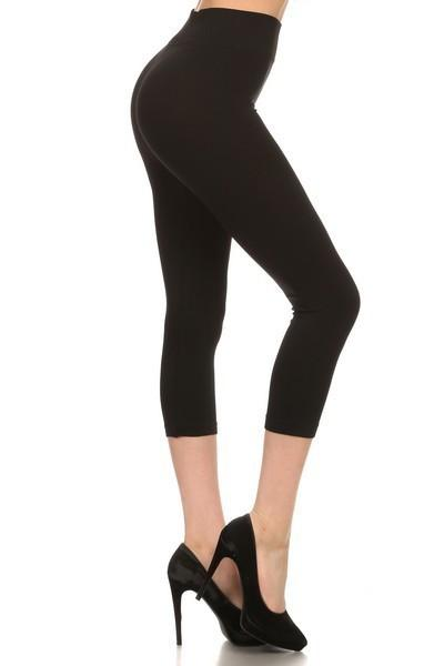 Black Solid Capris