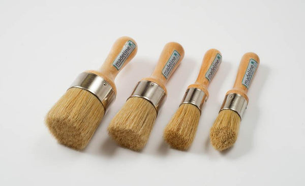 Madeline Mini Rounded Wax Brush Brushes