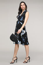 Load image into Gallery viewer, Floral Twist Front Sleeveless Collared Dress