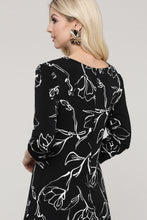 Load image into Gallery viewer, Black and Ivory Floral Reversible Three Quarter Sleeve Dress