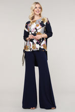 Load image into Gallery viewer, Navy and Ivory Abstract Three Quarter Sleeve Tunic