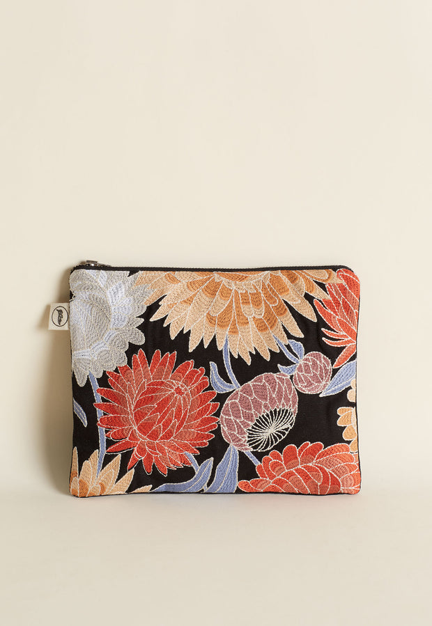 Embroidered Pouch - Daisy