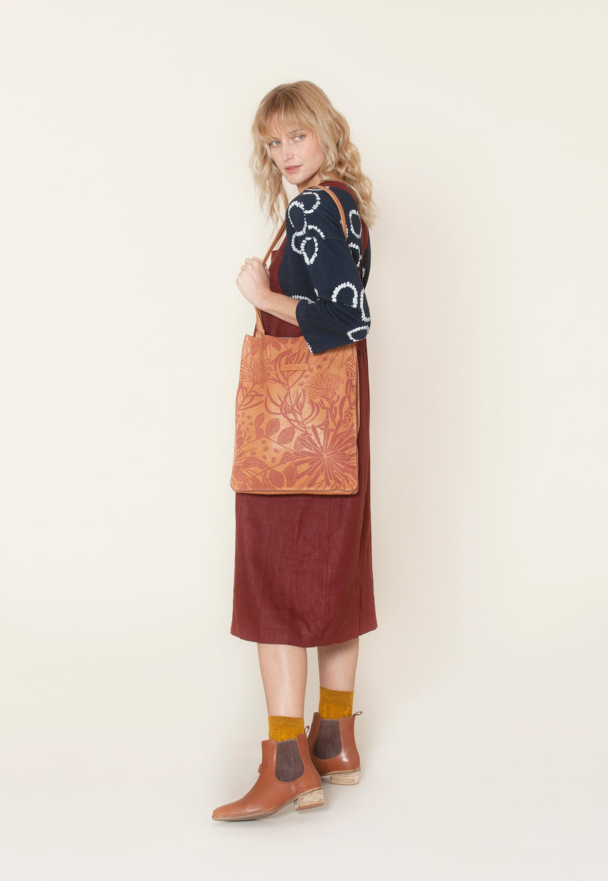 Gully Tote - Almond