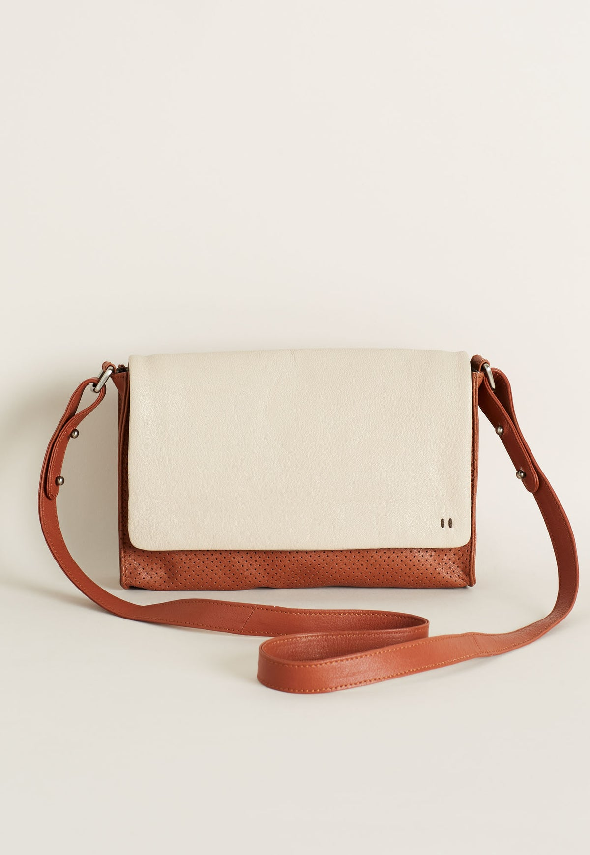 Small Crossbody Bag - Shell