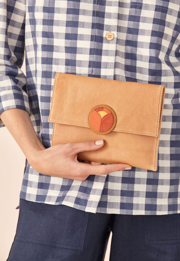 Sunrise Clutch - Almond