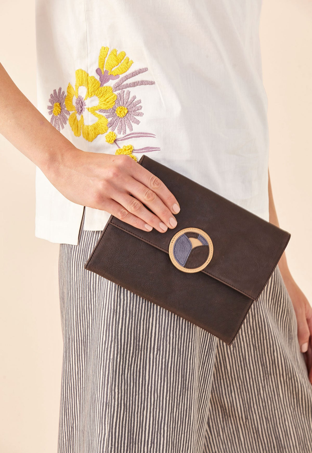 Sunrise Clutch - Dark Chocolate