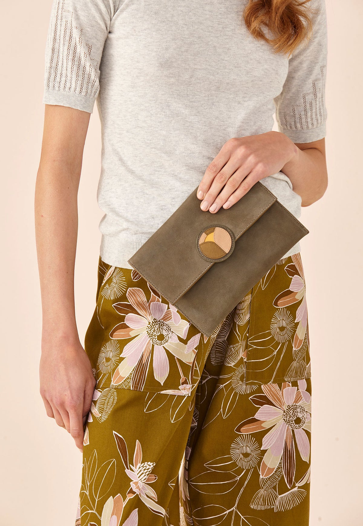 Sunrise Clutch - Olive