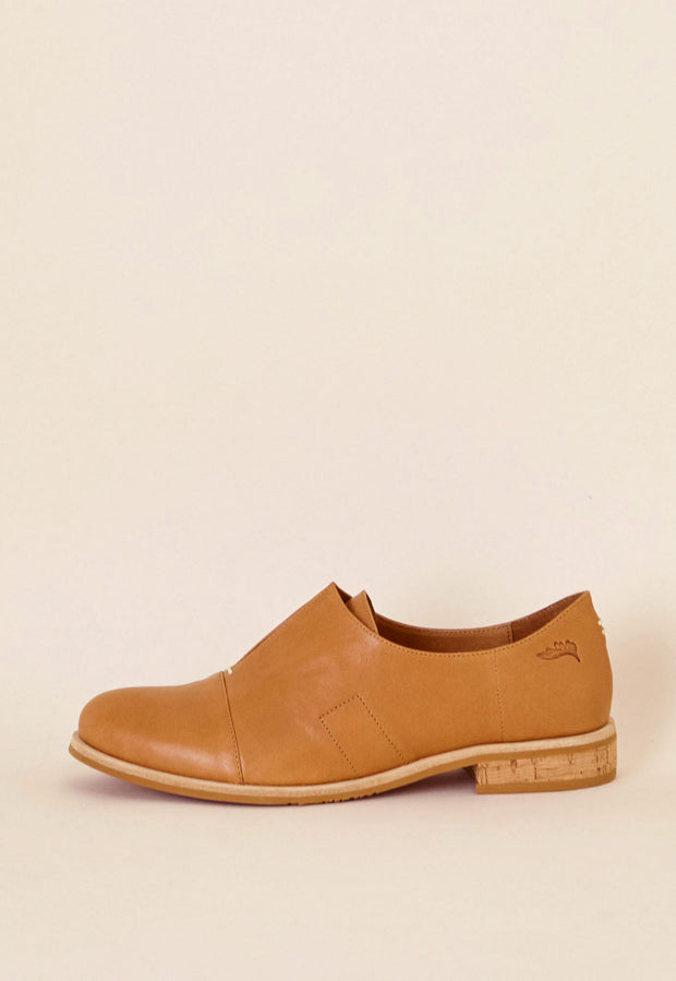 Wing Loafer - Almond