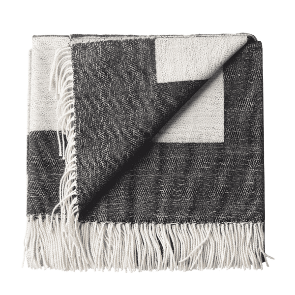 Alpaca Woven Throw - Geometric pattern