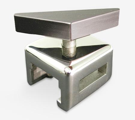 AC41 | Flat Bar/Rectangle Side Rail Accessory Clamp