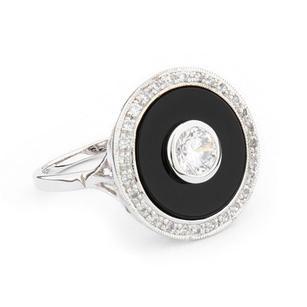 Wellington_&_North_Art_Deco_Jewellery_Marilyn_Cubic_Zirconia_Black_Onyx_925_Sterling_Silver_Round_Ring_Side_View