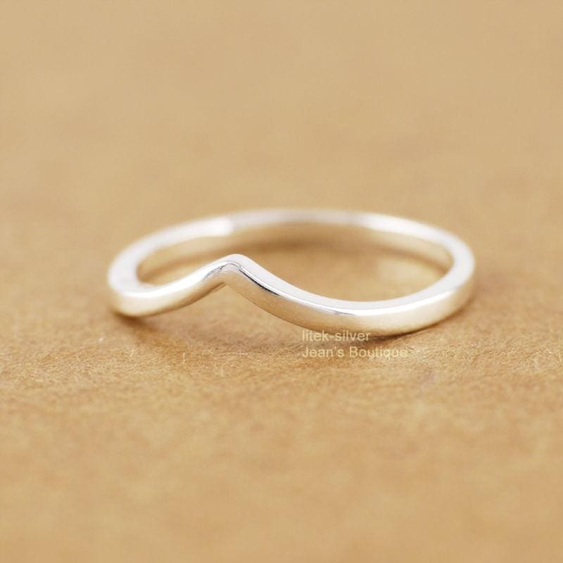 925 Sterling Silver Chevron Ring, , Gifts for Designers, Clean minimal gifts for designers and creatives, gift, design, designer - Gifts for Designers, Gifts for Architects