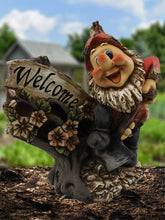 Solar Welcome Gnome with Shovel - Solar Statues