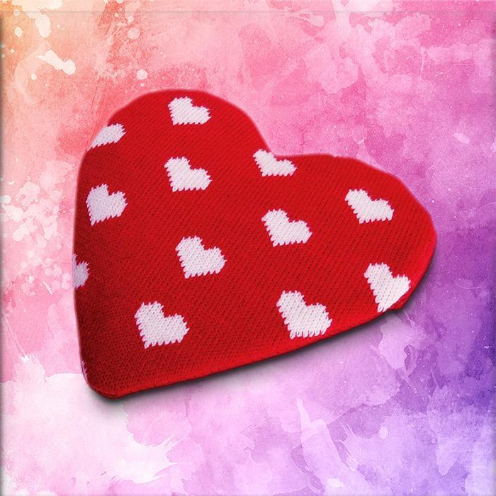 IS Love Heart Reusable Heat Pack with Knitted Cover