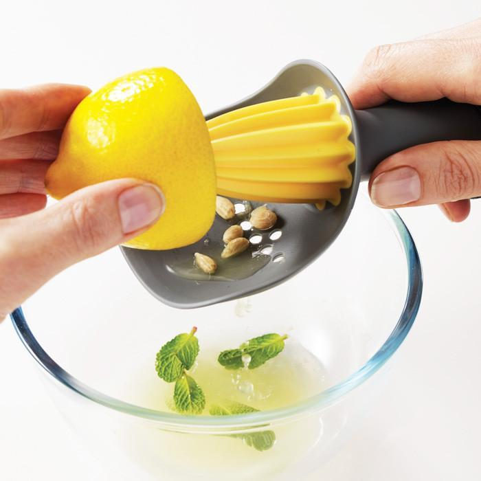 Joseph Joseph Joseph Joseph Hand-Held Citrus Juicer with Pip Catcher