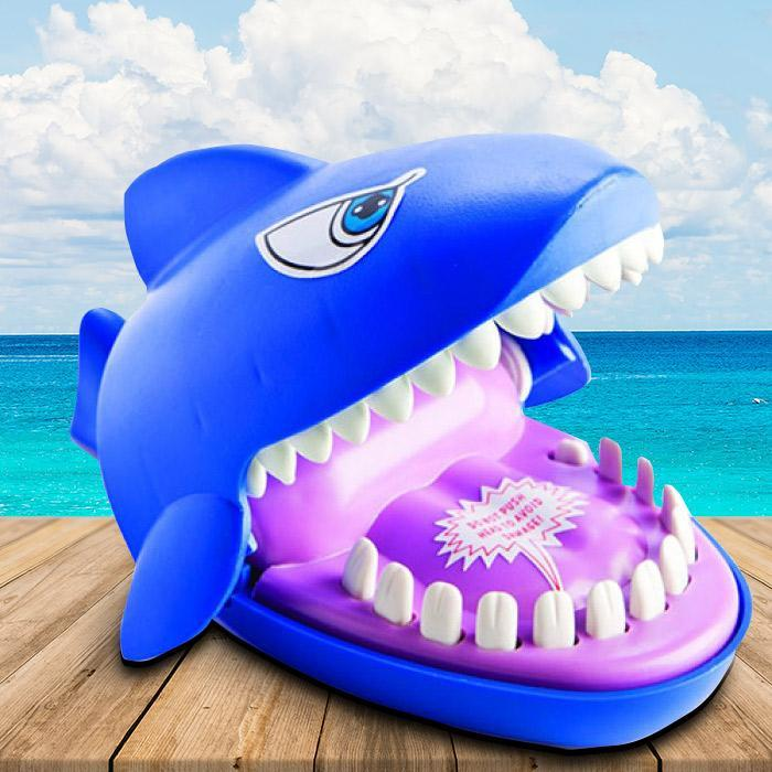 Shark Attack Game - - mdi - Yellow Octopus
