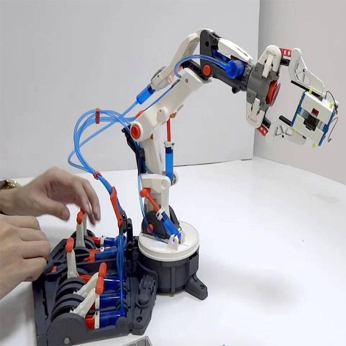 Hydraulic Robot Claw : Build your own hydraulic robotic arm science toy yellow