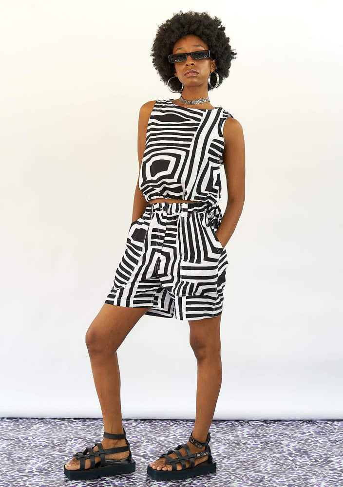 YEVU Women - Trousers Straight Shorts - Monochrome