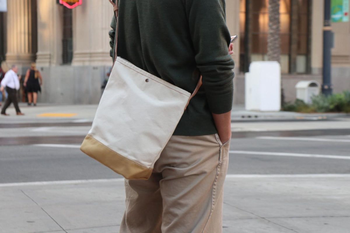 Bucket Shoulder (R): Natural x Beige